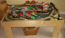 Ebook cover: How To Build Toy Train Table